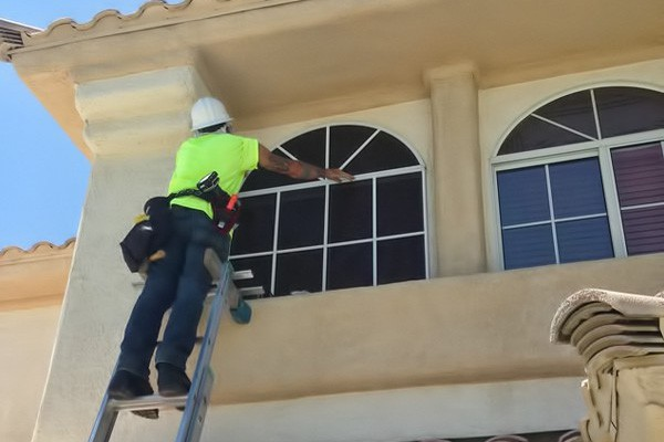 Fast Track Solar Screens Installation